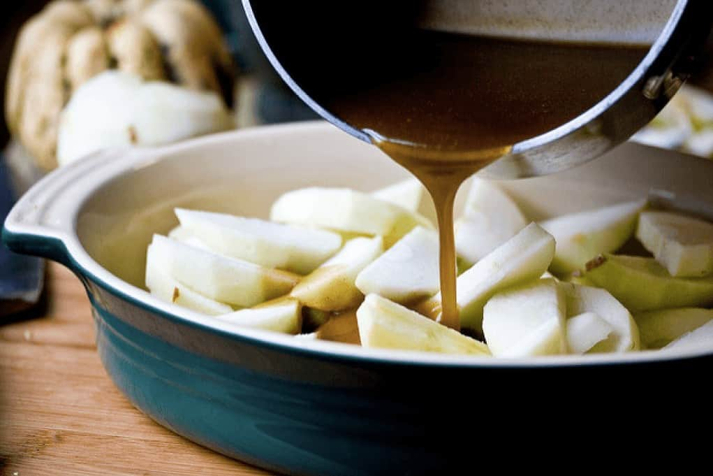 HCG diet recipe for apple slices with cinnamon sauce